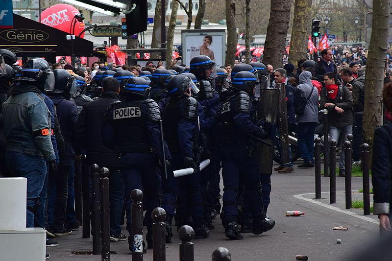 Manifestation_contre_la_loi_Travail_9_avril_2016_02